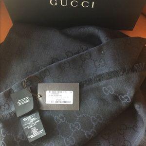 Gucci Accessories - GUCCI GG LOGO REVERSIBLE NAVY/BLACK BIG SHAWL